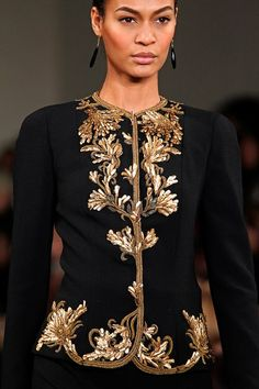 Celebrities who wear, use, or own Ralph Lauren Fall 2012 RTW Embroidered Jacket. Also discover the movies, TV shows, and events associated with Ralph Lauren Fall 2012 RTW Embroidered Jacket. Couture Details, Fashion Details, Fashion Design, Moda Outfits, Men's Outfits, Party Outfits, Lingerie Plus Size, Ralph Lauren Style, Baroque Fashion
