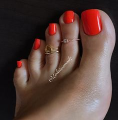 Good Morning!! ☀️ #tbt #orangenails #ilovemyfeet