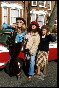 Patsy, Eddy and Eddy's mother in their younger days. (: