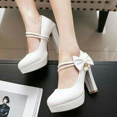 Dr Shoes, Me Too Shoes, Shoes Heels, Pretty Shoes, Beautiful Shoes, Kawaii Shoes, Cute High Heels, White Wedding Shoes, Bridesmaid Shoes