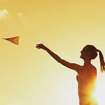 """""""Você certamente conhecerá coisas melhores e coisas piores do que as já conhecidas, mas não é isso o que importa.  O mais importante é a mudança, o movimento, o dinamismo, a energia. Só o que está morto não muda !  Repito por pura alegria de viver: a salvação é pelo risco, sem o qual a vida não vale a pena! """"  #claricelispector #mude #mudar #mudanca #poema #insta #inpiracao #motivação #felizdia #serfeliz #sexta #blog #lifestyle"""