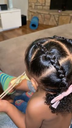Kids And Parenting, Parenting Hacks, Baby Girl Hair, Mom Hacks, Girl Things, Little Girl Hairstyles, New Moms, New Baby Products, Little Girls