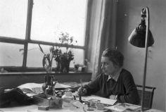 Gunta Stolzl. Textile Artist. Only Female Artist Master at Bauhaus.