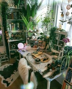 60 Enthralling Bohemian Style Home Decor Ideas - bohemian Decor Enthralling Home ideas indoordesign Style bohemianwohnen 60 Enthralling Bohemian Style Home Decor Ideas - bohemian Decor Enthralling Home ideas indoordesign Style # My New Room, My Room, Dorm Room, Decoration Ikea, Altar Decorations, Workspace Inspiration, Interior Inspiration, Aesthetic Bedroom, Home And Deco