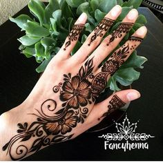 """6,792 Likes, 14 Comments - We Are Here To Inspire You (@hennalookbookin) on Instagram: """"Henna @shazmehndi"""""""