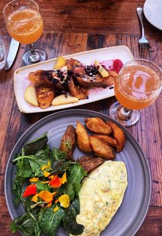 5 reasons to have brunch at this popular San Francisco favorite - Greek Recipes, Asian Recipes, Mexican Food Recipes, Healthy Recipes, Ethnic Recipes, Yummy Drinks, Yummy Food, College Meals, Brunch Menu