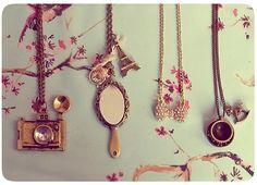 Resultado de imagen de accesorios collares vintage
