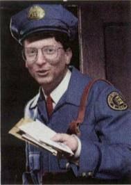 Los personajes: Jefe de la correos: Es un hombre eso da dinero a Lencho cuando neceista mas. Es gordo, amable, generoso, alturistic, y bondadoso