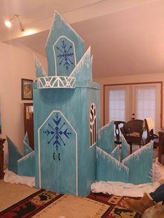 Elsa Birthday Party, Frozen Themed Birthday Party, Disney Frozen Birthday, Frozen Party, Birthday Party Themes, July Birthday, Diy Doll School Supplies, Frozen Halloween, Office Christmas Decorations