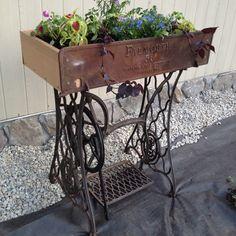 singer sewing table repurpose diy idea53 diy crafts. Black Bedroom Furniture Sets. Home Design Ideas