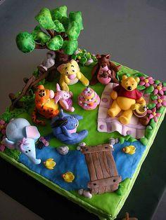 Cute Winnie the Pooh cake.