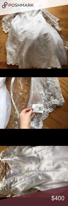 Nwt $800 wedding dress Never worn or altered David's Bridal Dresses Wedding