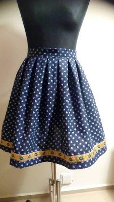 Sukňa je ušitá zo 100% bavlny vopred predpranej. Ozdobená folklórnou stužkou.  Vhodná na folklórne festivaly alebo bežné nosenie. Summer Dresses, Skirts, Baby, Fashion, Moda, Summer Sundresses, Fashion Styles, Skirt