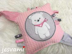 Stickdatei Finn der Bär bei Makerist - Bild 3 Baby Kind, Embroidery Files, Baby Crafts, Baby Sewing, Doll Clothes, Hello Kitty, Kids Fashion, Doodles, Knitting