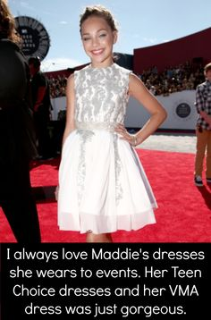 Maddie Ziegler attending the red carpet at the MTV Video Music Awards 2014 Dance Moms Facts, Dance Moms Dancers, Dance Mums, Sia Music Video, Mtv Video Music Award, Music Videos, Maddie Ziegler, Watch Dance Moms, Dance Moms Confessions