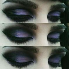 Black and Purple Gothic Eye Makeup. Black and Purple Gothic Eye Makeup. – Das schönste Make-up Bat Makeup, Gothic Eye Makeup, Makeup Art, Makeup Drawing, Drawing Eyes, Gothic Makeup Tutorial, Costume Makeup, Halloween Eye Makeup, Halloween Halloween