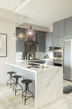 Kitchen Remodel Grey Living Rooms and Small Kitchen Remodel Renovation. Small Modern Kitchens, Modern Kitchen Design, Modern Interior Design, Interior Design Kitchen, Home Kitchens, Kitchen Designs, Modern Grey Kitchen, Kitchen Layouts, Interior Office