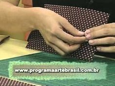 ARTE BRASIL -- CLAUDIA WADA -- CARTEIRA EM CARTONAGEM (11/03/2011 - Part... Diy Recycle, Recycling, Claudia Wada, Paper Plate Crafts For Kids, Quilling Patterns, Book Making, Fabric Covered, Craft Videos, Craft Tutorials