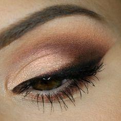 Makeup Geek Eyeshadows in Bada Bing, Beaches and Cream, Cocoa Bear, Corrupt, Mocha, and Peach Smoothie + Makeup Geek Duochome Eyeshadow in I'm Peachless. Look by: Alicja Witza