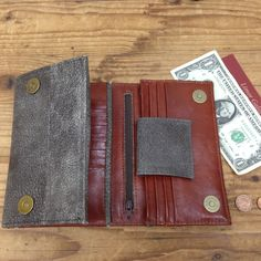 Distressd gray Leather Wallet Purse Women's Credit cards TriFold Checkbook Holder case Brown inside. I made this Woman's leather wallet purse from high quallity Italian leather for money and cards. • The wallet can fit all cell phones up to iPhone 6 size. • The inside contains a variety of compartments and pockets to help you keep an organized wallet. Esy to remove the card. A beautiful veg ten leather stunning leather handmade wallet. very comfortable and divided according to the daily...