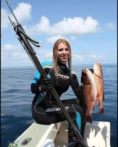 Nice girl How many like for her . . . . . . . . . . . #underwater #spearfishing #hot #yoga #friends #spearfish #fishing #fish #hunting #diving #dive #freediving #underwaterphotography #photography #photographer #freedive #freediver #snokeling #ScubaDiving #scuba #amazing #scubadiver #scubadive #fun #pescasub #beautiful #beauty