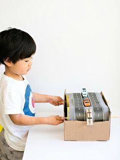 Don't throw out those old cardboard boxes, use them to create a toy for you kid. Transform the boxes into a car conveyor belt, a stable or 3 other cool toys. Here're some fun,budget-friendly and easy crafts that you and your child can work on together. Pick one or two to do with your kid […]