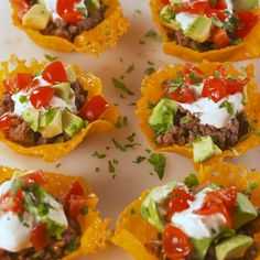 Taco Cups Keto Taco Cups = The low-carb way to do taco Tuesday.Keto Taco Cups = The low-carb way to do taco Tuesday. Ketogenic Recipes, Low Carb Recipes, Diet Recipes, Cooking Recipes, Healthy Recipes, Recipies, Keto Recipes Dinner Easy, Induction Recipes, Snacks