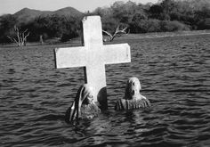 underwater gravestone