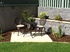 Garden Landscaping With Stones Plants large garden landscaping lawn.