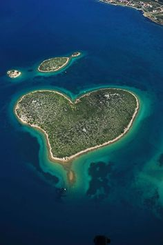Heart island, Croatia. (Well it is #Valentine's Day today after all!)... http://www.biguseof.com/travel