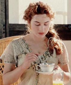 Kate Winslet as Rose DeWitt Bukater in Titanic. Titanic Quotes, Titanic Movie, Rms Titanic, Kate Titanic, Titanic Costume, Titanic Dress, Titanic Kate Winslet, I Love Cinema, Movie Costumes