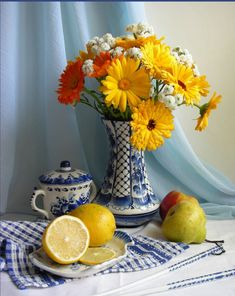 Gerbera, Glass Vase, Table Decorations, Fruit, Furniture, Flowers, Home Decor, Decoration Home, Room Decor