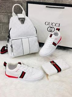 Leather handbags are considered classic. Best Handbags, Gucci Handbags, Purses And Handbags, Leather Handbags, Luxury Handbags, Cheap Handbags, Nice Handbags, Popular Handbags, Cheap Purses