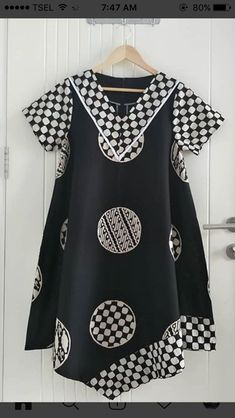 Short African Dresses, Latest African Fashion Dresses, Blouse Batik, Batik Dress, Batik Fashion, Abaya Fashion, African Print Dress Designs, Style Africain, Culture Clothing