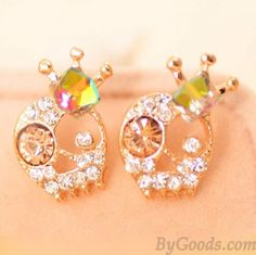 <3 Cute White Diamond Skull Earrings with Gold Crown <3