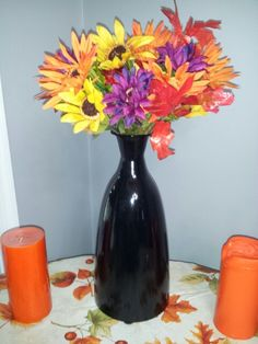 Spray painted vase and dollar store flowers, fall decor, diy Spray Paint Vases, Painted Vases, Seasonal Decor, Fall Decor, Dollar Tree Vases, Fall Wedding, Wedding Ideas, Dollar Stores, Glass Vase