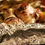 Fűszeres csirkecombok batyuban sütve