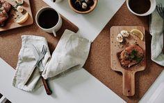 I taglieri al posto dei piatti aggiungono un tocco di vivacità alla tavola - IKEA