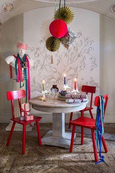 Navidad Ideas de decoración - Candelabros de color (houseandgarden.co.uk)