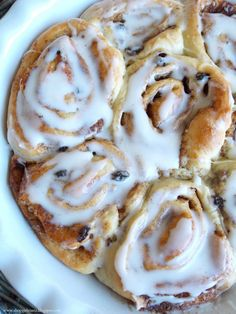 Shopgirl: Glazed Cinnamon Raisin Buns