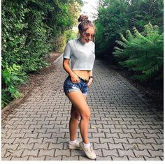 ❤❤ Pretty People, Animals And Pets, Chanel, Crop Tops, Youtube, Outfits, Women, Fashion, Cropped Tops