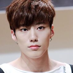 Park Jeup 박제업 || Imfact || 1993 || 172cm || Main Vocal || Visual