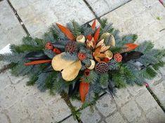 Billedresultat for vazba Handmade Decorations, Xmas Decorations, Flower Decorations, Funeral Flower Arrangements, Christmas Floral Arrangements, Grave Flowers, Funeral Flowers, Christmas Flowers, Christmas Crafts