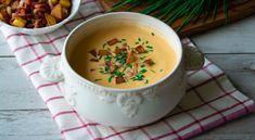 ...krémová, voňavá a hustá bryndzová polievka Cheeseburger Chowder, Fondue, Soup, Keto, Ethnic Recipes, Hokkaido, Cooking, Soups