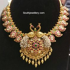 Mango Necklace With Peacock Pendant photo Indian Bridal Jewelry Sets, Indian Jewelry, Wedding Jewelry, Bridal Jewellery, Gold Jewelry For Sale, White Gold Jewelry, Mango Necklace, Necklace Set, Gold Jewellery Design