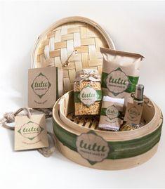 tutu – Steamed Snack Kit [Singapore Souvenir Packaging] on Behance Yogurt Packaging, Honey Packaging, Fruit Packaging, Chocolate Packaging, Food Packaging Design, Coffee Packaging, Bottle Packaging, Packaging Ideas, Eid Hampers