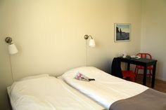 The rooms at Visby Vandrarhem are quiet even though we are in the middle of the town of Visby. www.visbyvandrarhem.se
