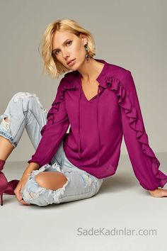 Bluz Modelleri,Gömlek Modelleri 2018 Blouse Models Plum V-Neck Sleeves Frilly Collar Drawstring you can find similar pins below. Shirt Makeover, First Date Outfits, Cool Outfits, Fashion Outfits, Sleeves Designs For Dresses, Sleeve Designs, Blouse Styles, Blouse Designs, Blouse Models