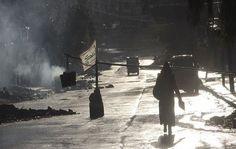 Una coalición de rebeldes sirios y yihadistas radicales tomó el viernes una localidad estratégica controlada por fuerzas progubernamentales cerca de la disputada ciudad de Alepo