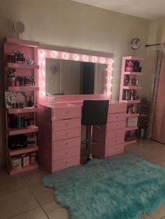 Cute Room Ideas, Cute Room Decor, Teen Room Decor, Room Ideas Bedroom, Bedroom Decor, Beauty Room Decor, Makeup Room Decor, Teen Bedroom Designs, Pretty Room